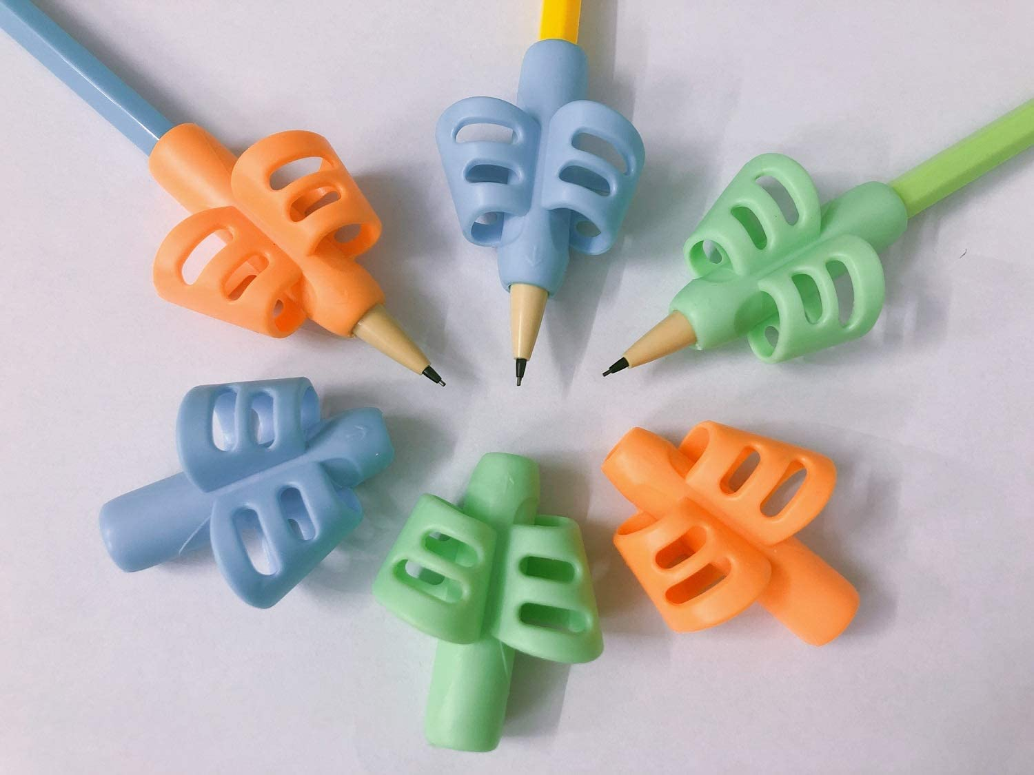 N/C Pencil Grip 3Pcs Eco-Friendly Soft Pencil Grips Help Children Holding Pen Posture Corrector Let Children Learn The Correct Way To Hold The Pen Special Education Supplies For School-Age Children